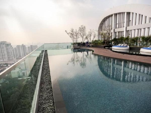 Rhythm Phrakhanong Condominium Bangkok