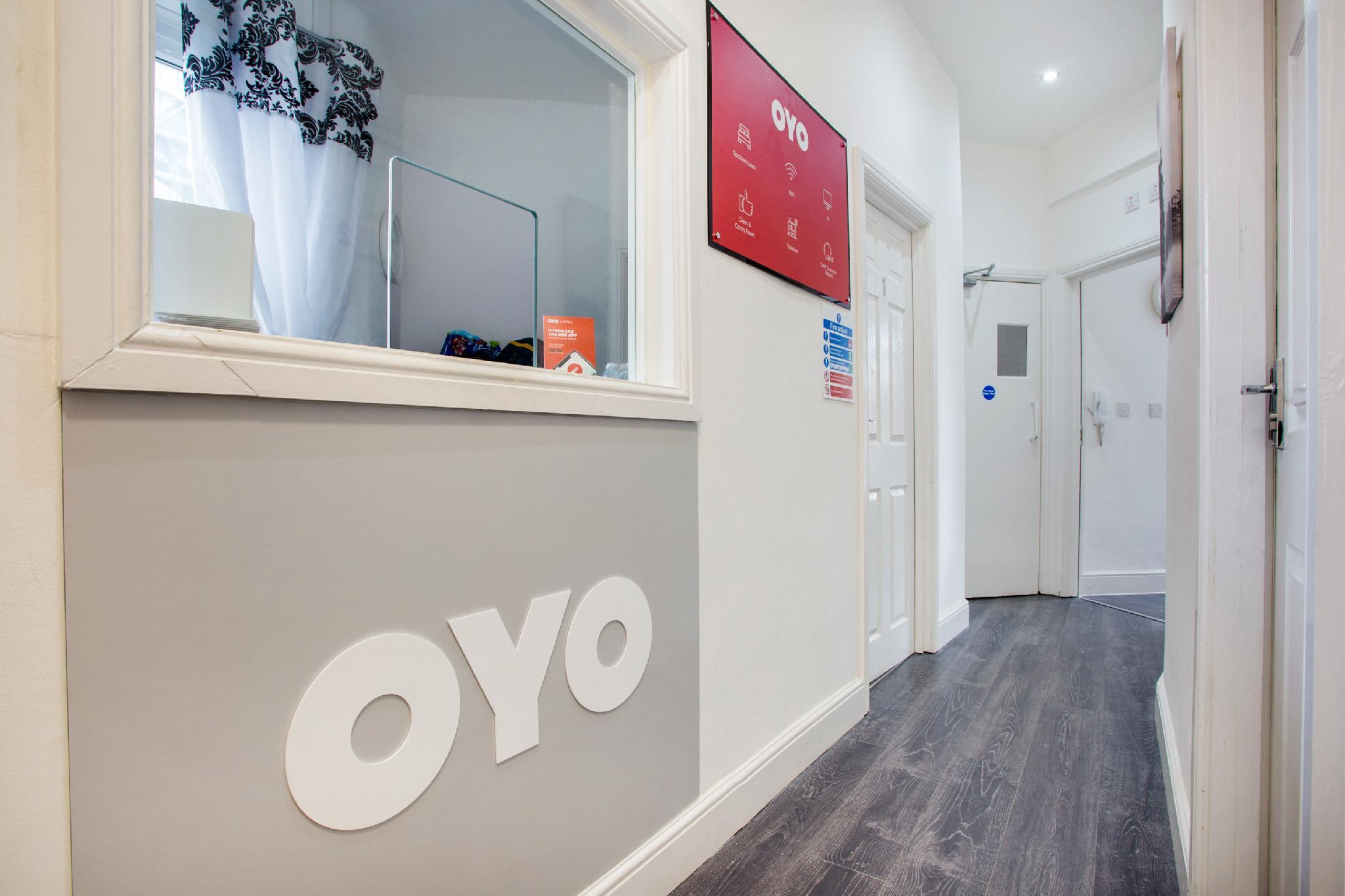 OYO Broadway Inn