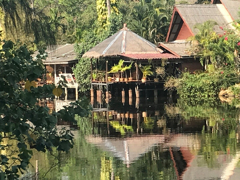 Riverside Family Beach House  Baan Zen