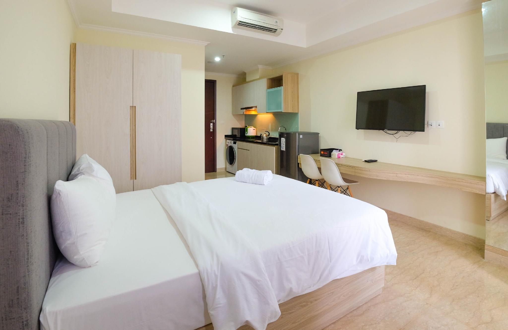 Comfy Studio With View At Menteng Park Apartment By Travelio