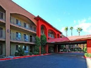 A Victory Inn And Suites Phoenix North