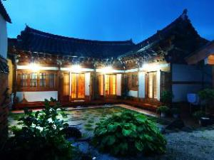 Saekdong Jeogori Hanok Guesthouse Jeonju