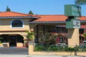 Hacienda Inn And Suites