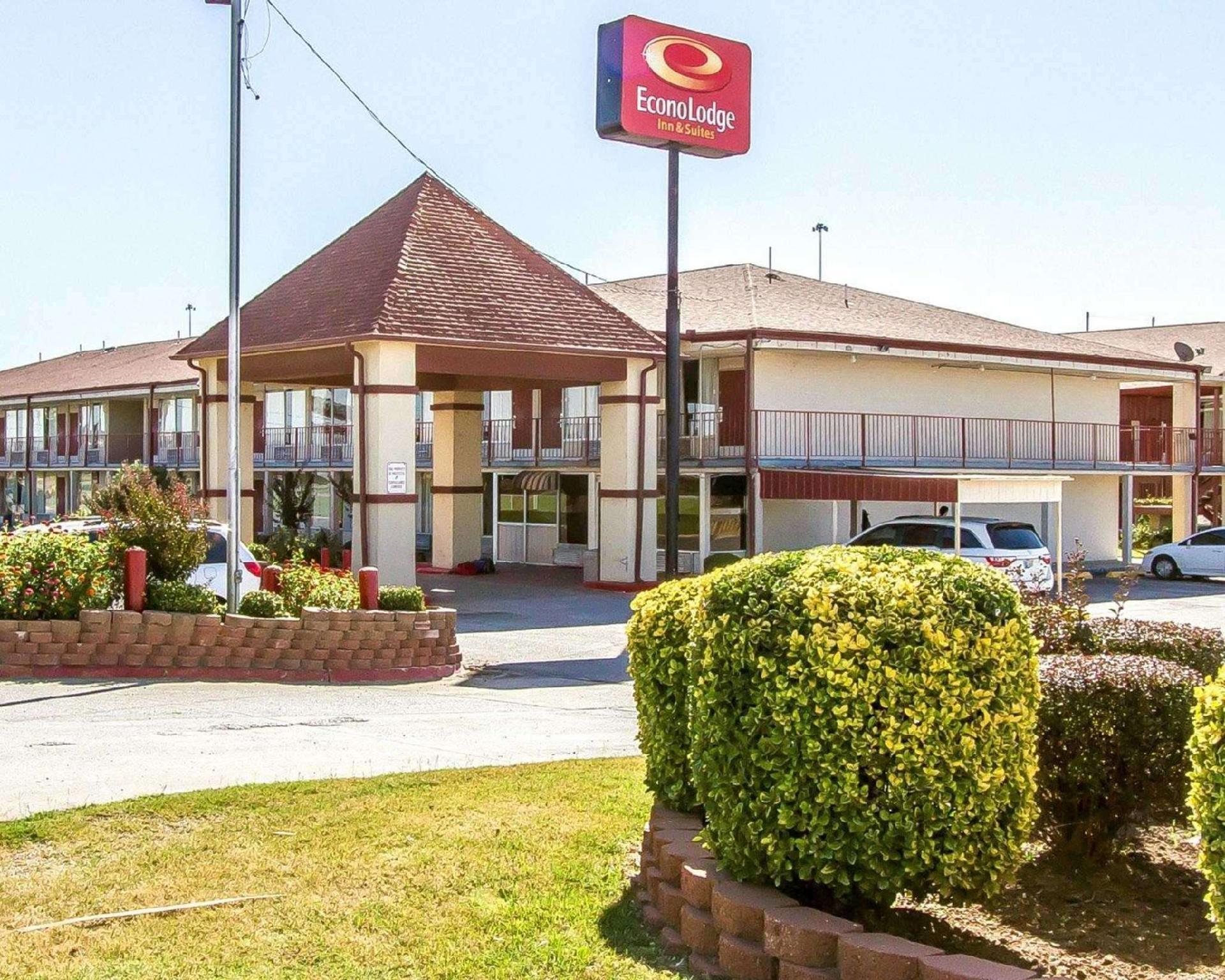 Econo Lodge Inn And Suites Near Bricktown