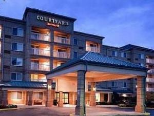 Courtyard By Marriott Cleveland Airport South Hotel