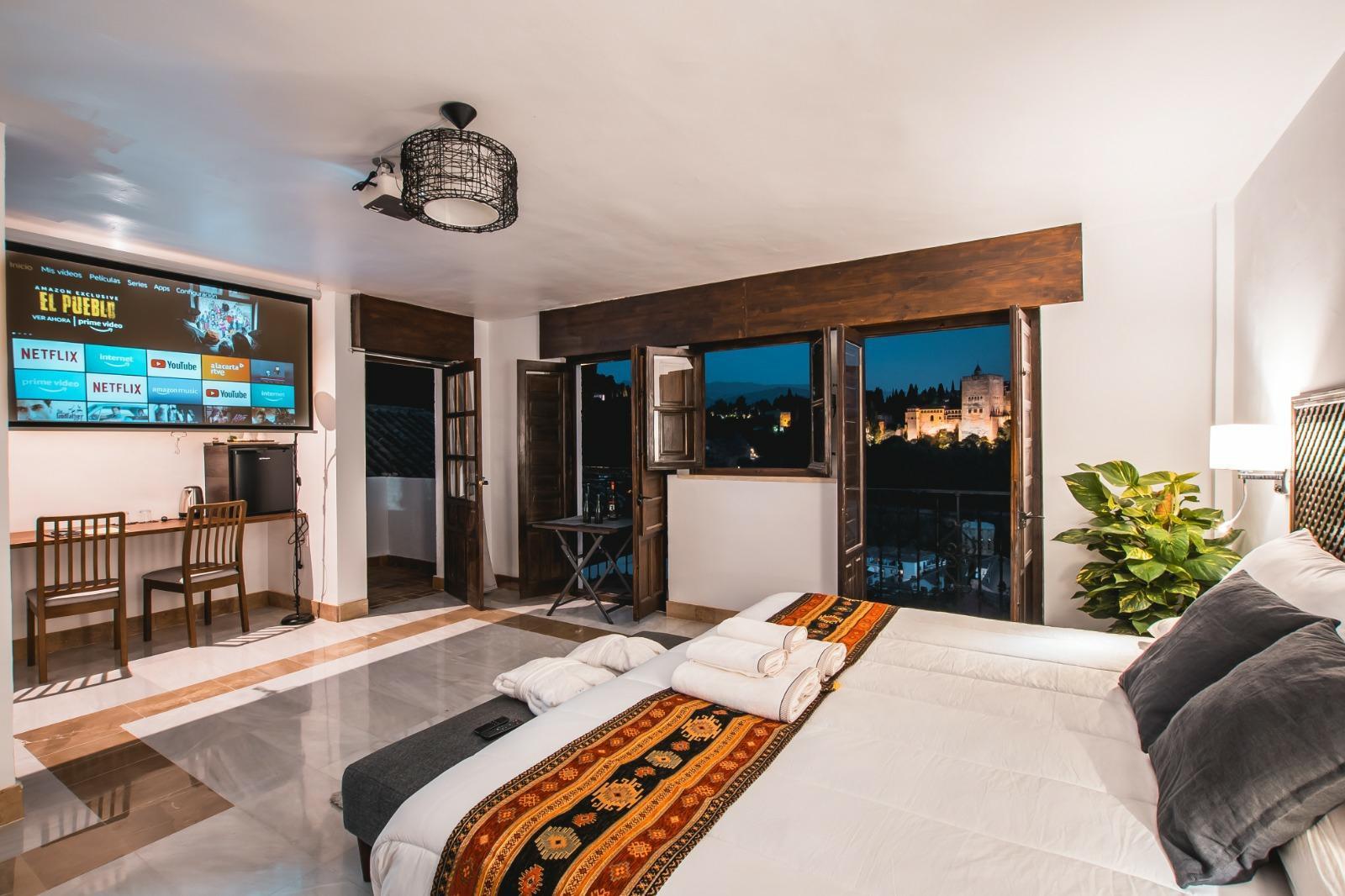 Junior Suite Cinema With Amazing Alhambra View