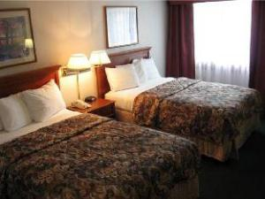 Quality Inn And Suites Kansas City I435N Near Sports Complex