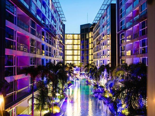 เซ็นทารา เอซัวร์ โฮเต็ล พัทยา – Centara Azure Hotel Pattaya