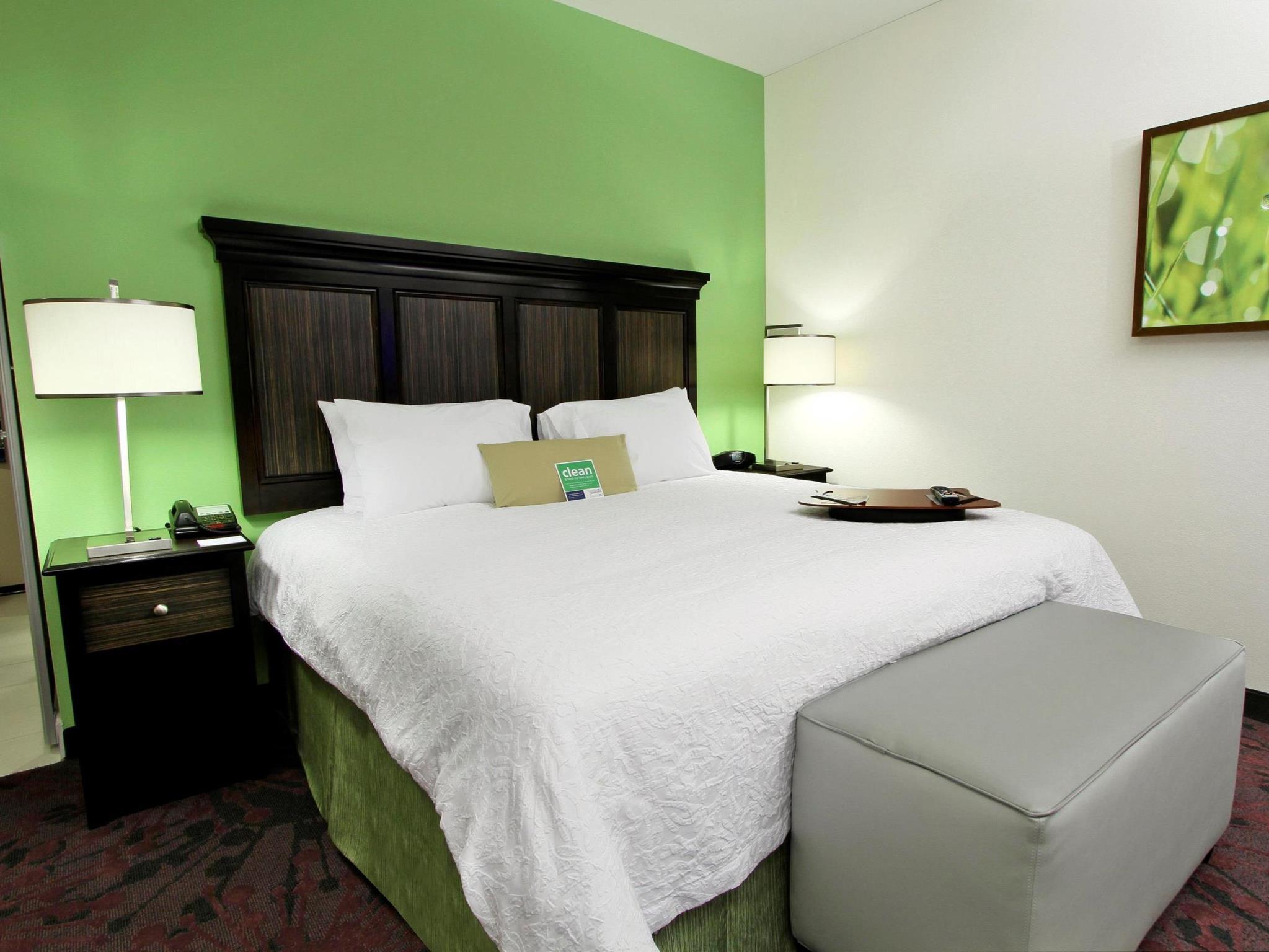 Hampton Inn And Suites Winnie Reviews