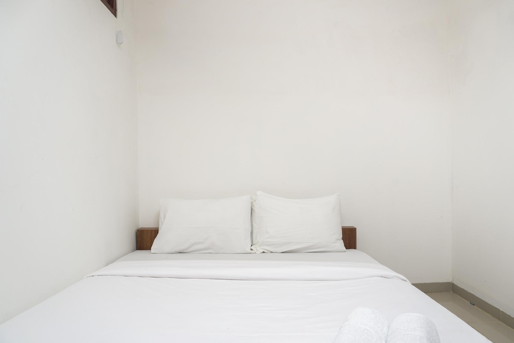 Minimalist Studio 1st Floor @ Meruya 8 By Travelio