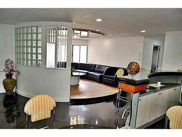 Fully renovated & Furnished Apartment for Rent Bangkok