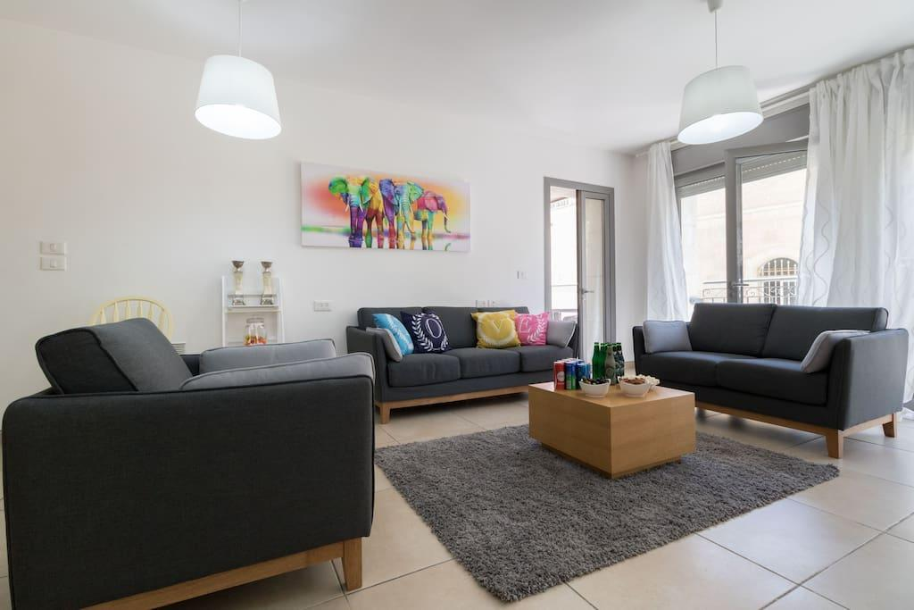 Amazing 2 Bedrooms Gym Parking In City Center