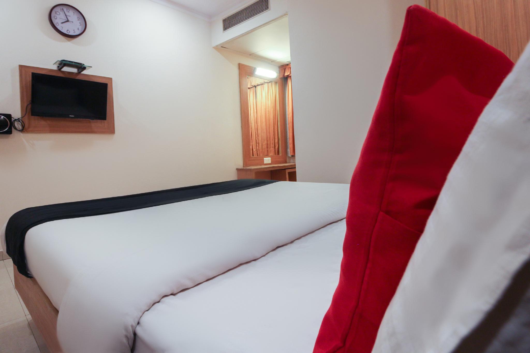 Capital O 48362 Hotel Sri Ram International
