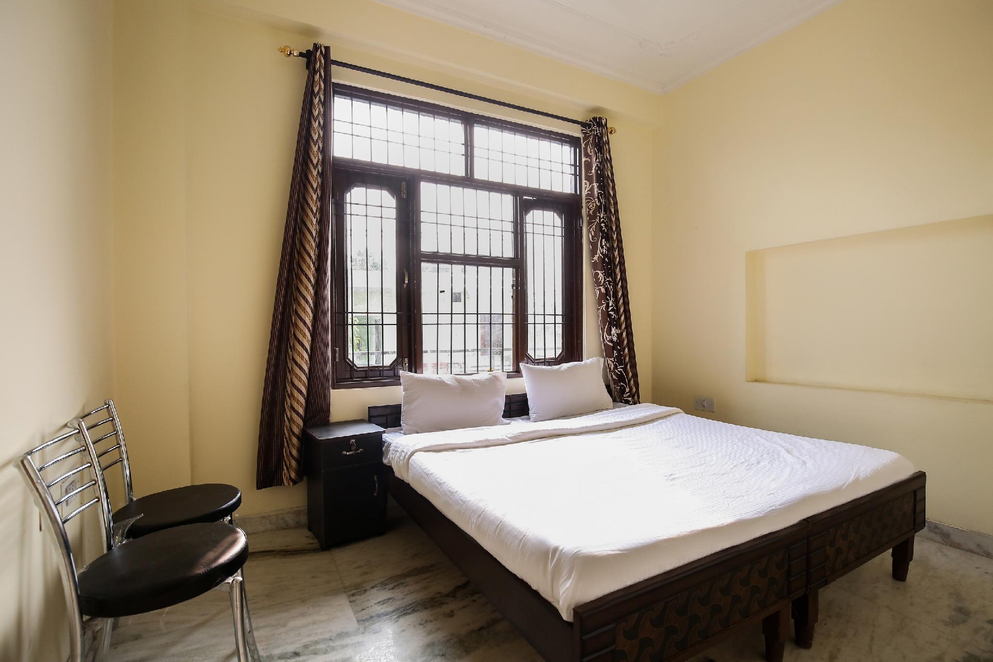 SPOT ON 43930 Hotel Yuvraj Plaza