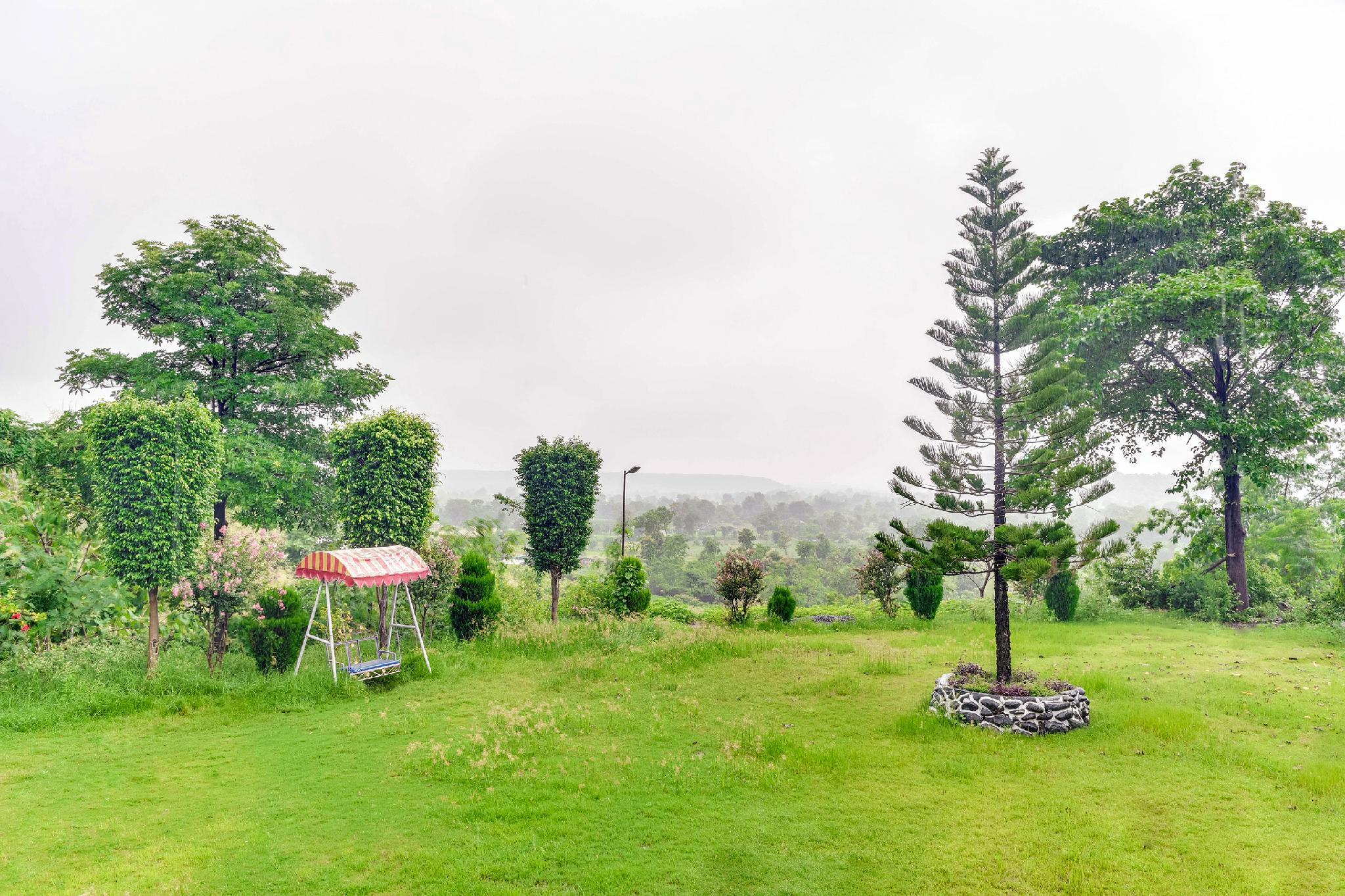 OYO 46000 Mayurbaag Resort