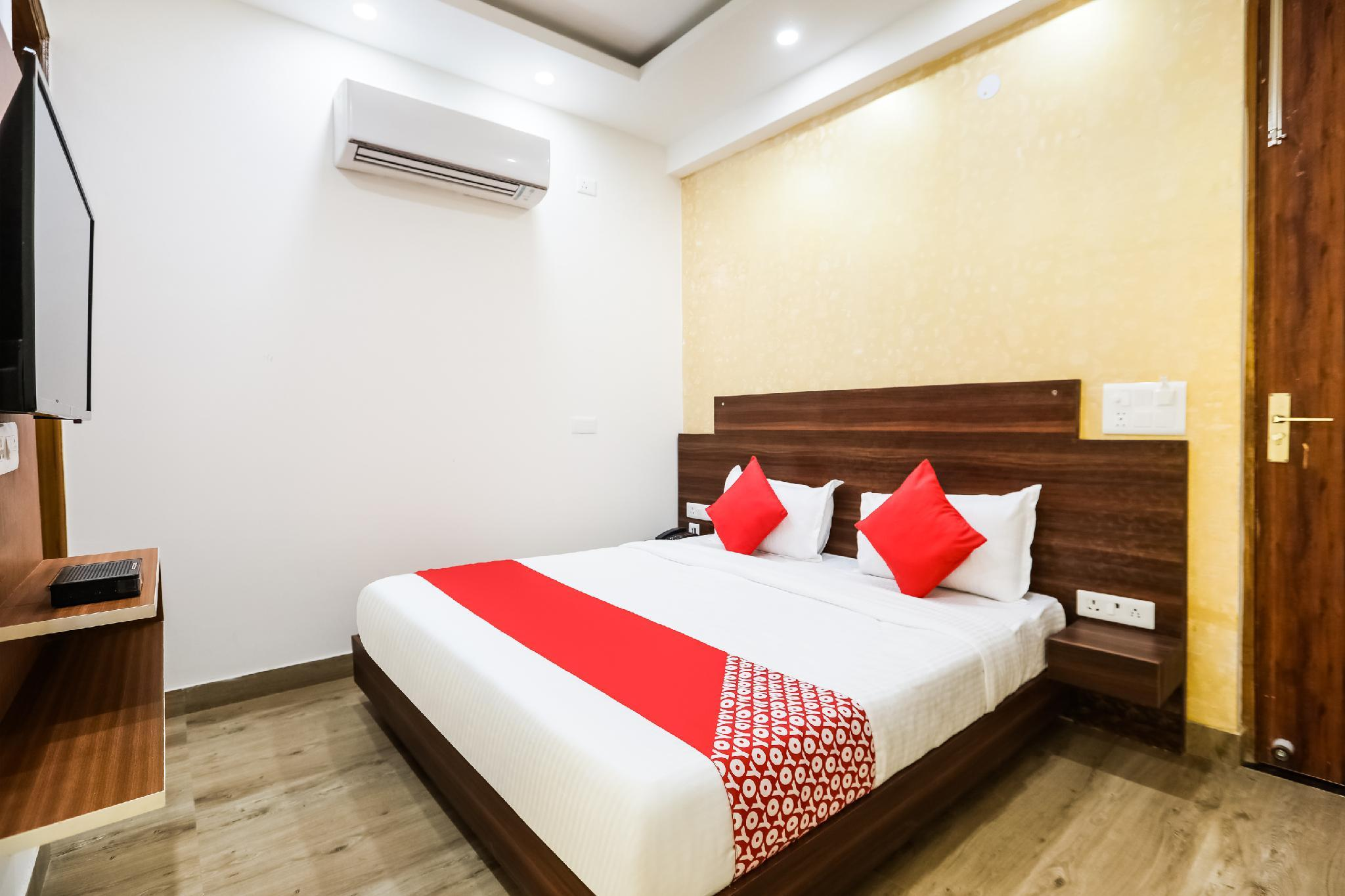 OYO 45818 Nyra Residency