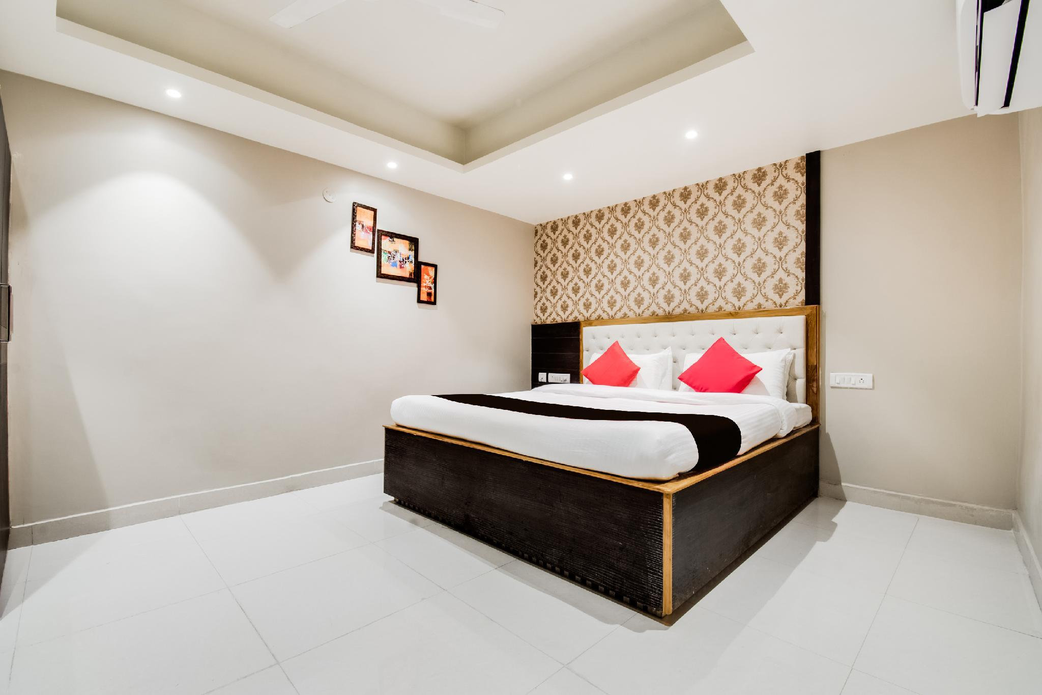 Capital O 47886 Svr Hotel & Banquet