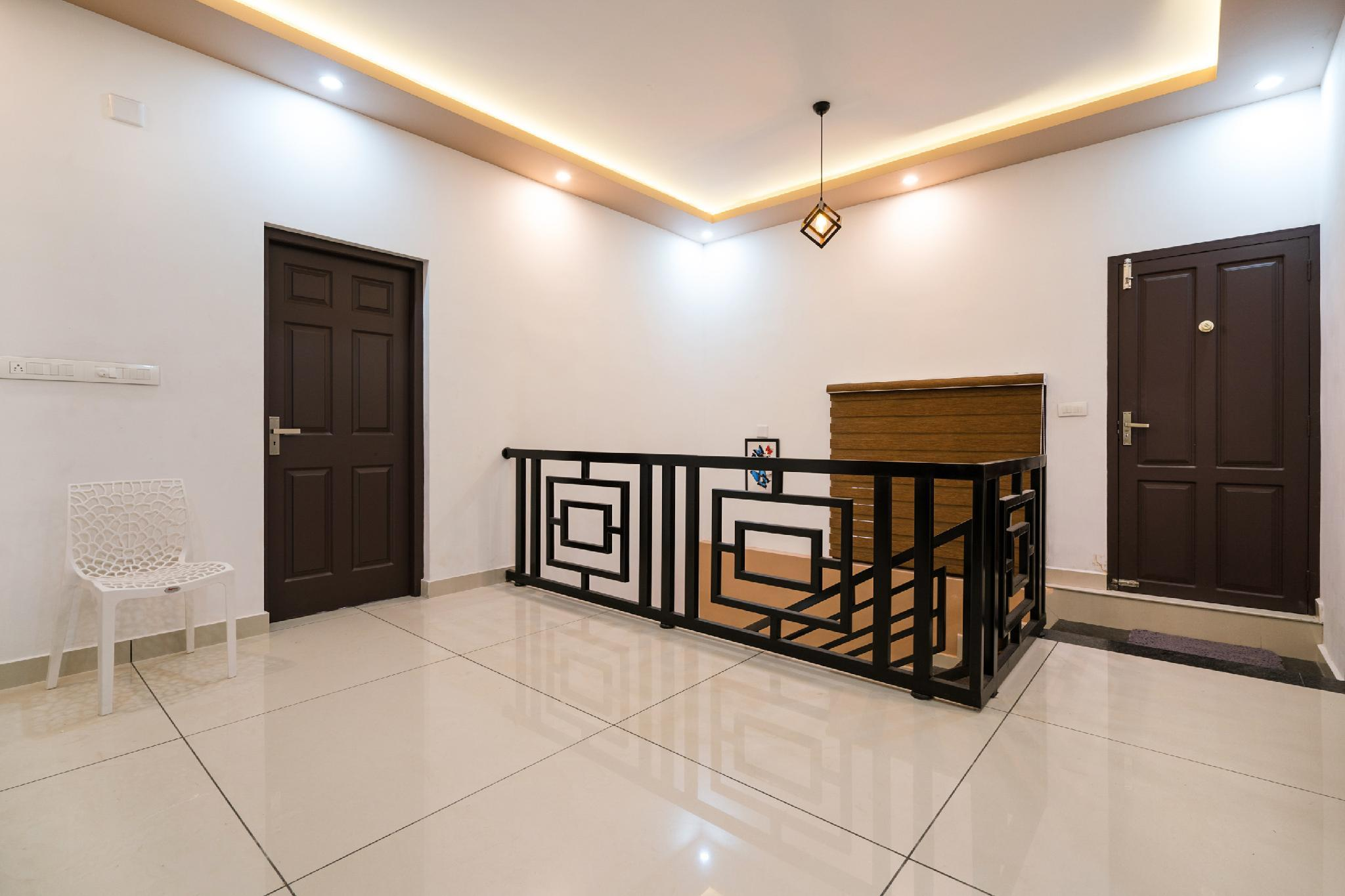 OYO 44686 Luxury Stay In Edappally