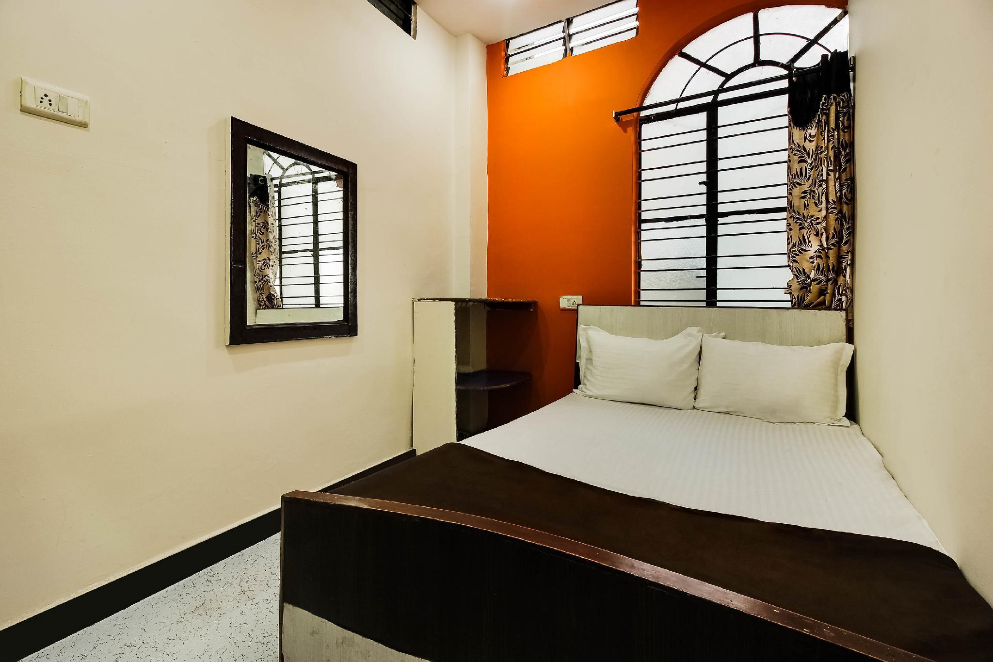 SPOT ON 47525 Deccan Lodge