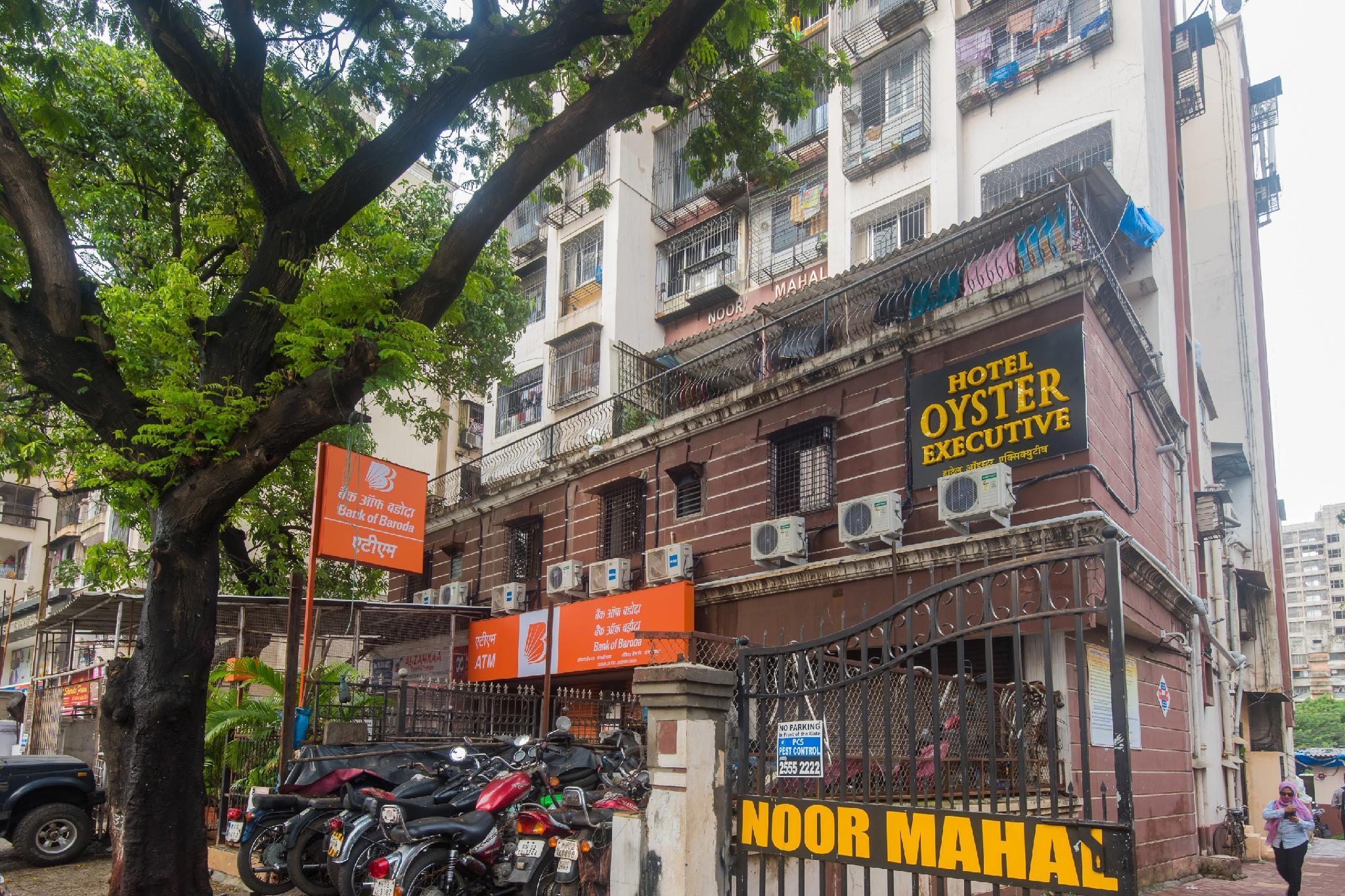 OYO 46995 Hotel Grand Plaza