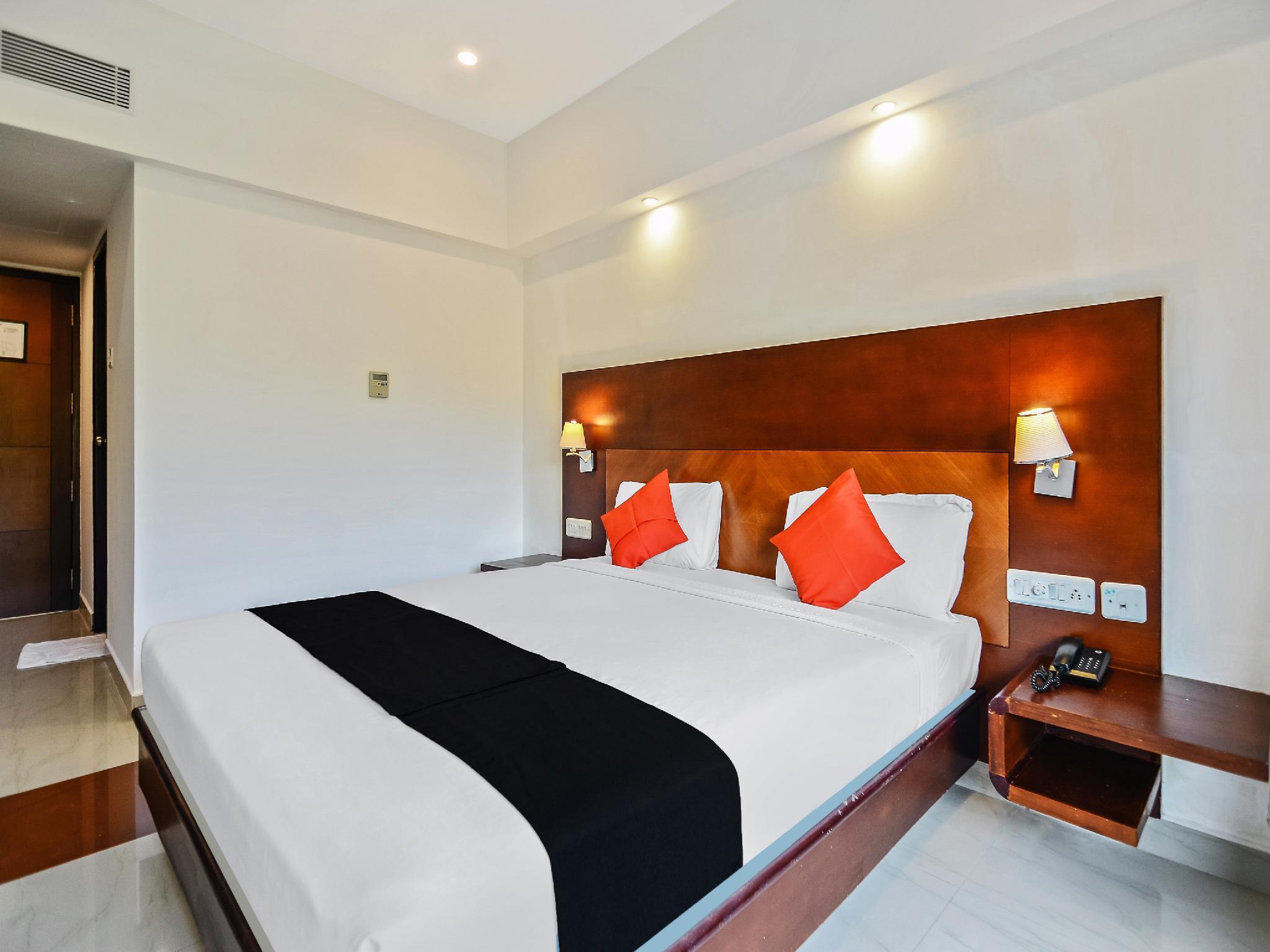 Capital O 60265 Sreevalsam Residency