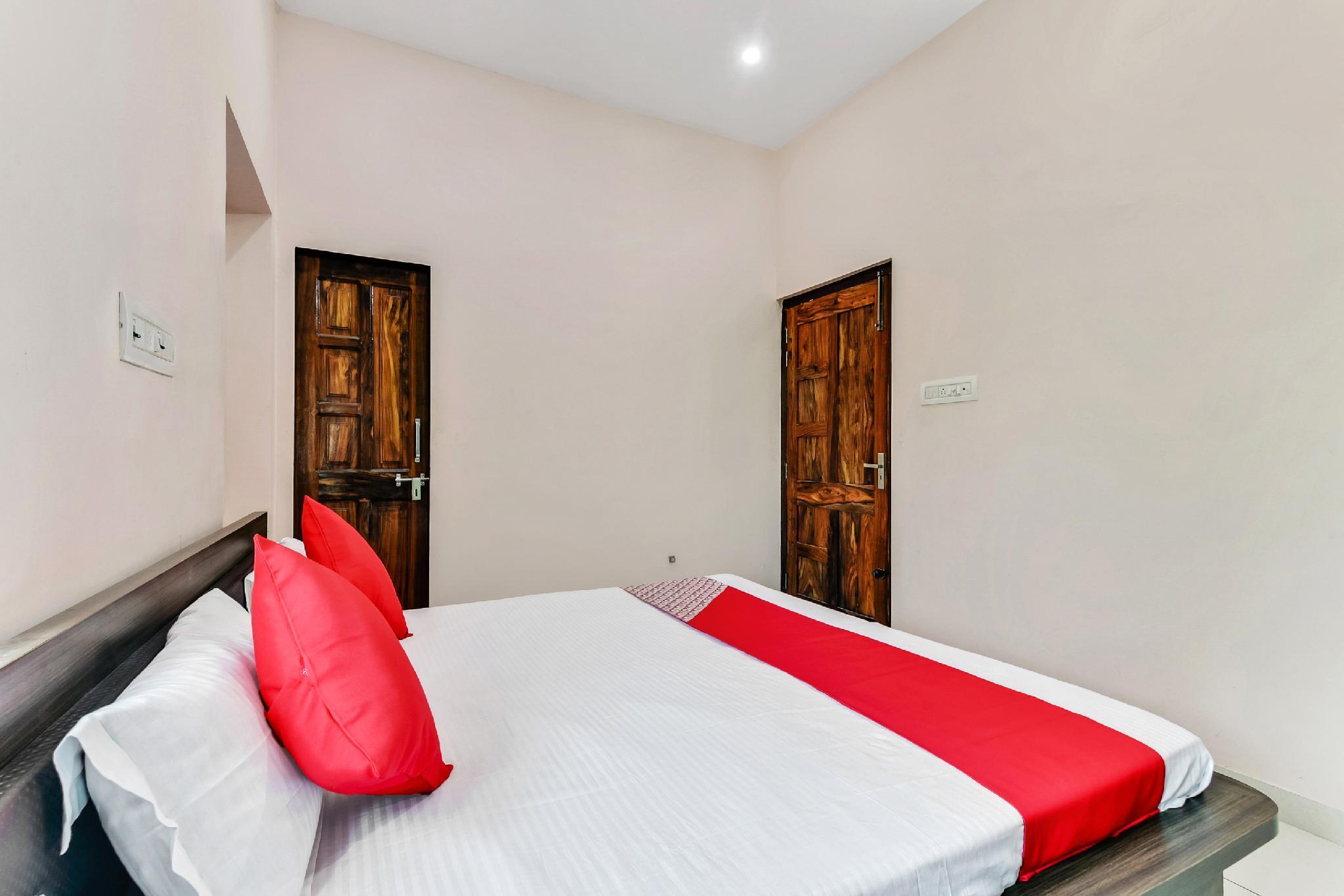 OYO 49696 Hotel Veer Teja