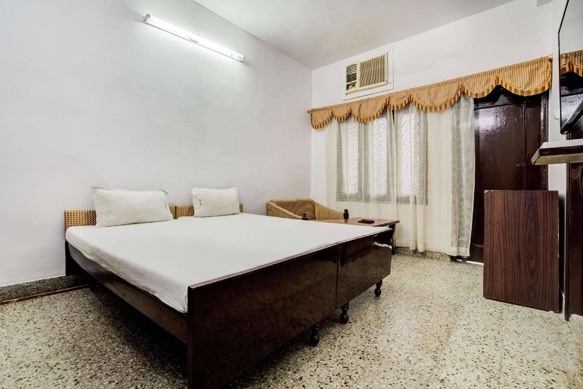 SPOT ON 46886 Hotel Natraj