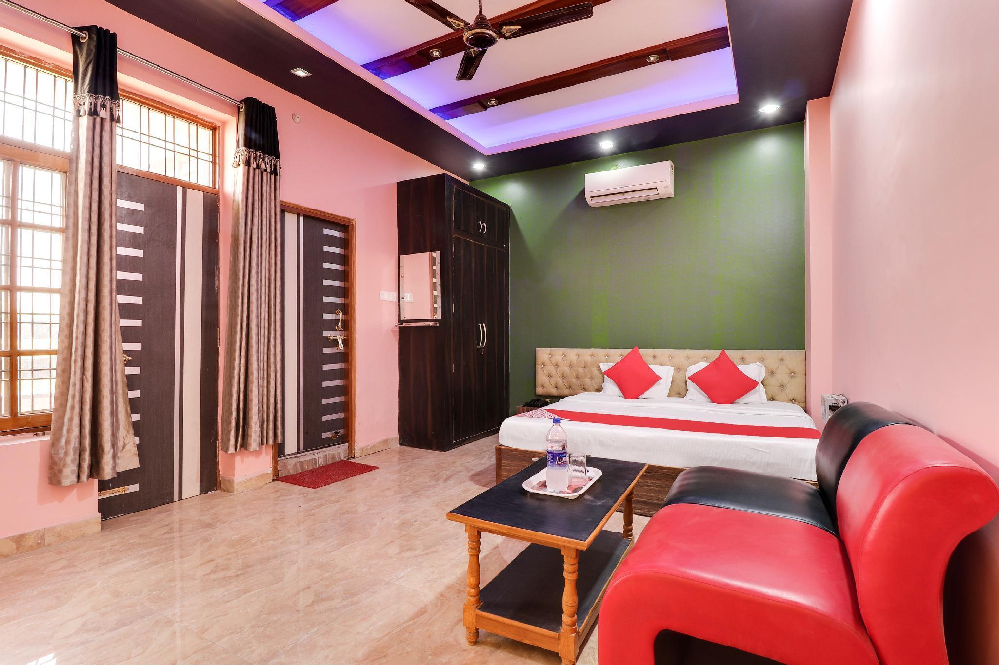 OYO 43468 Hotel Supriya Palace