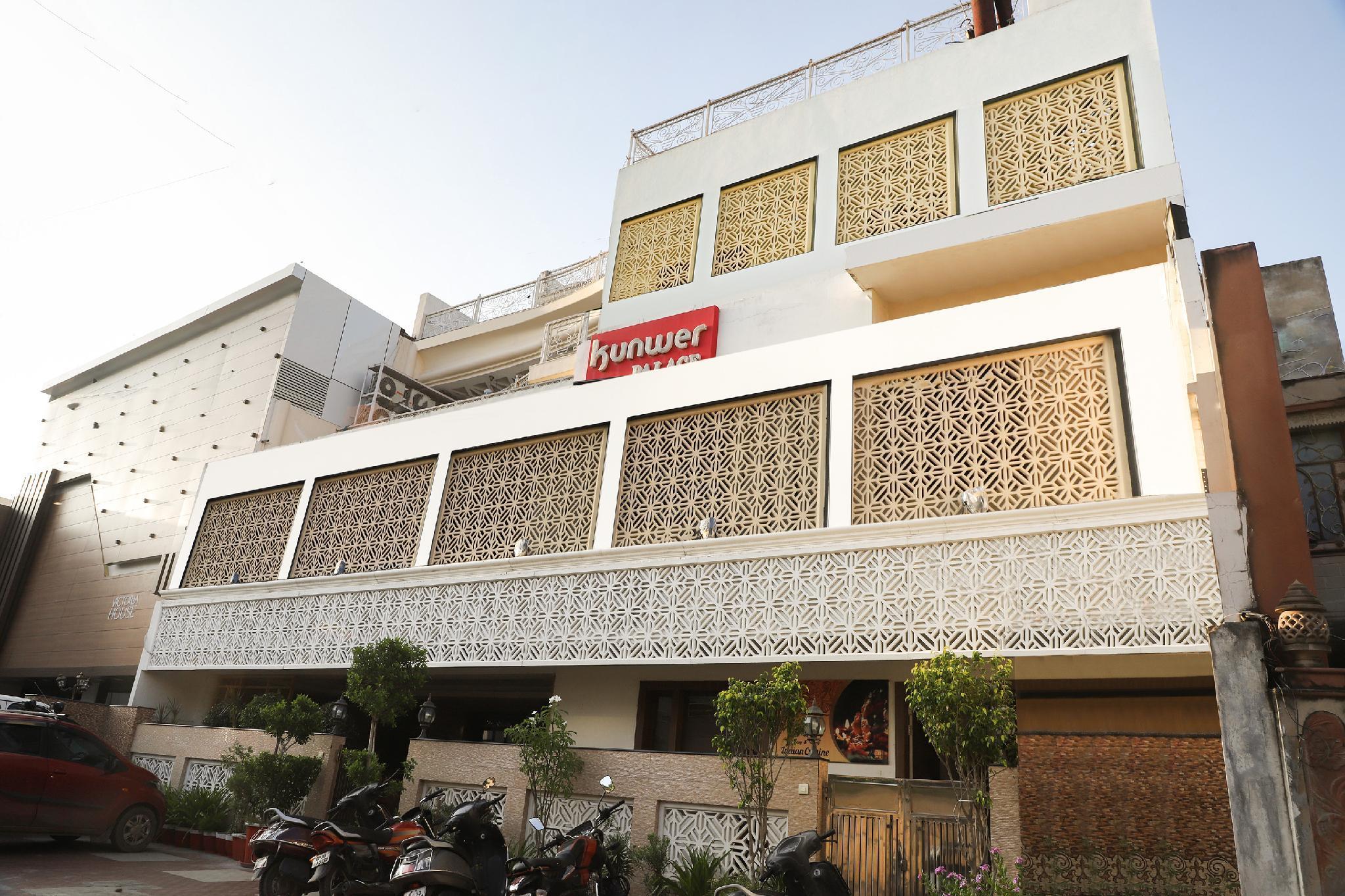 Capital O 48812 Kunwer Palace