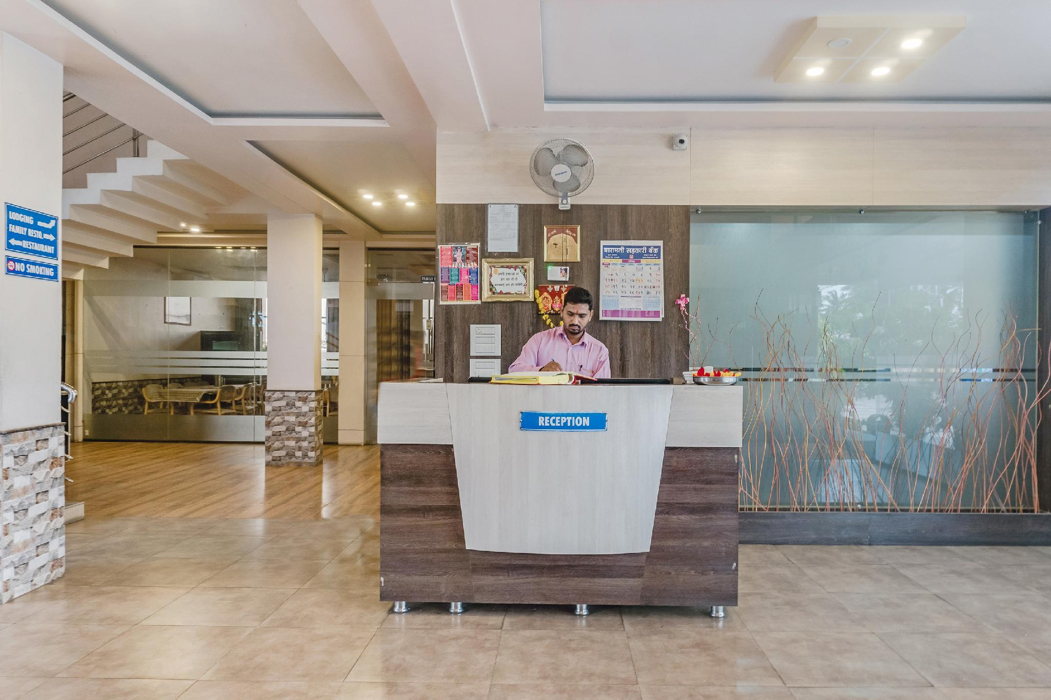 Capital O 47179 Hotel Swamiraj