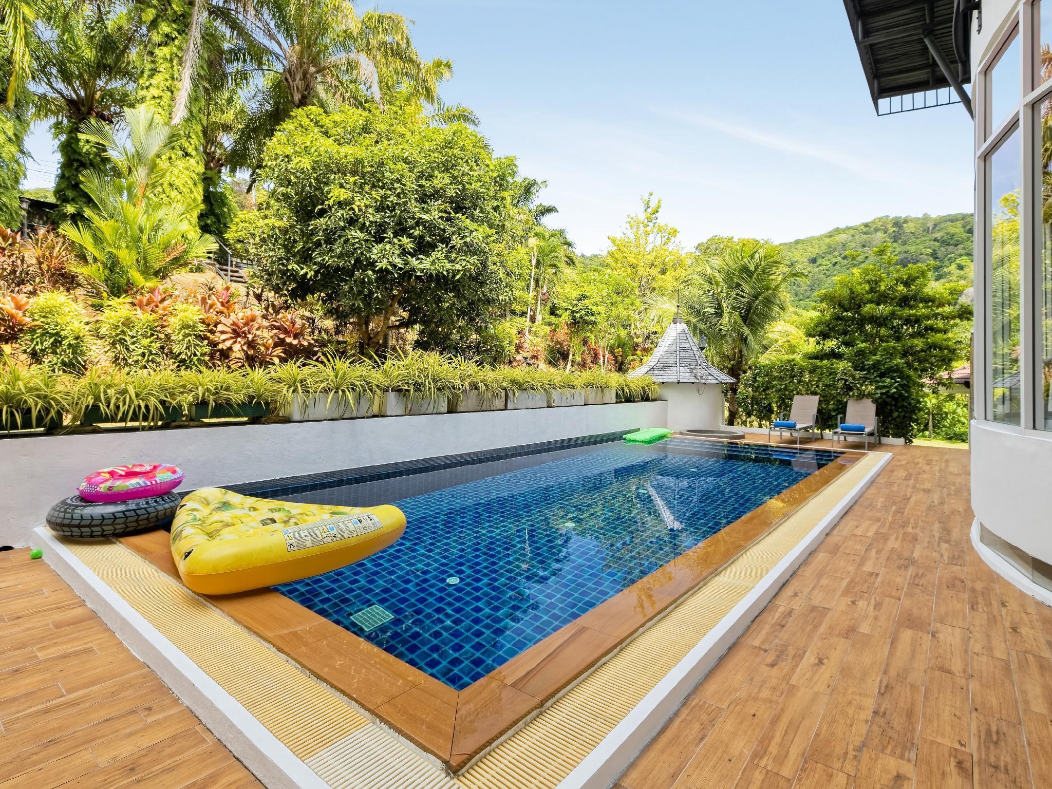 Villa Nap Dau 8 Bedrooms Phuket