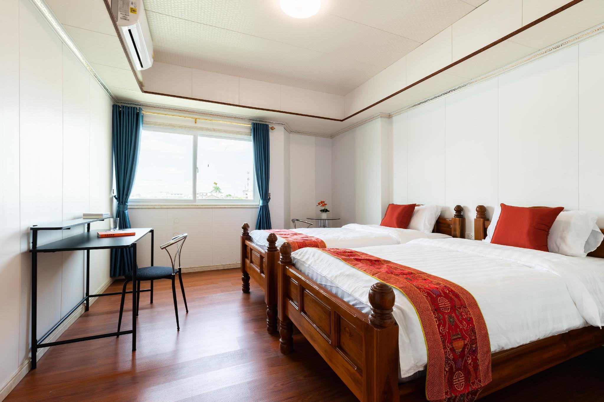 IT Singel Bed +1living Room