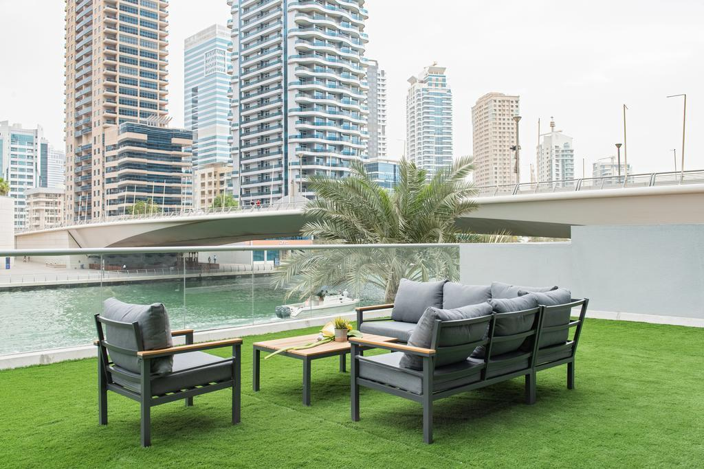 Luxury 3 Bed Villa With A View Of Dubai Marina