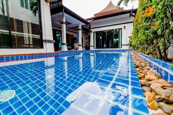 Villa Mantana 3 Bedrooms Phuket