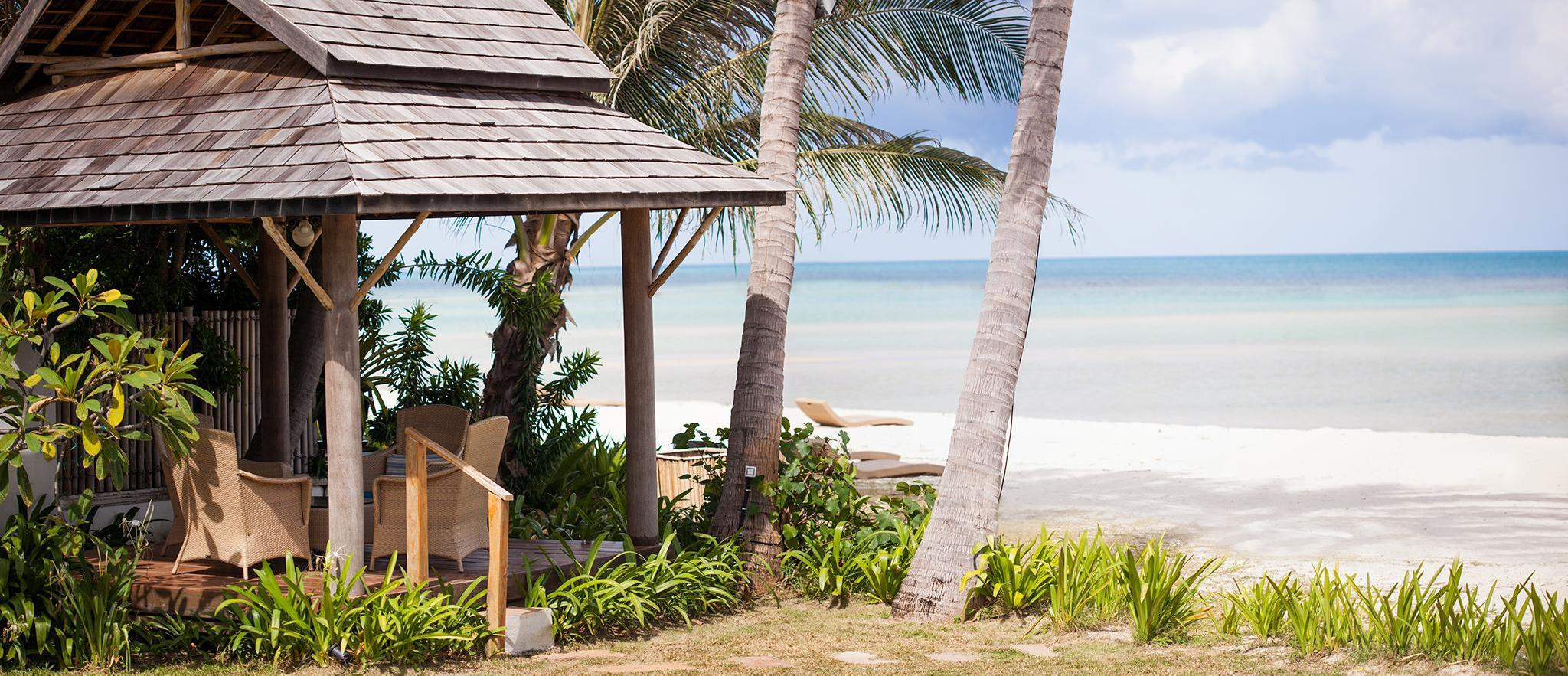 Stunning Beachfront Villa  Baan Rim Haad 3BR 3 ห้องนอน 4 ห้องน้ำส่วนตัว ขนาด 170 ตร.ม. – หัวถนน