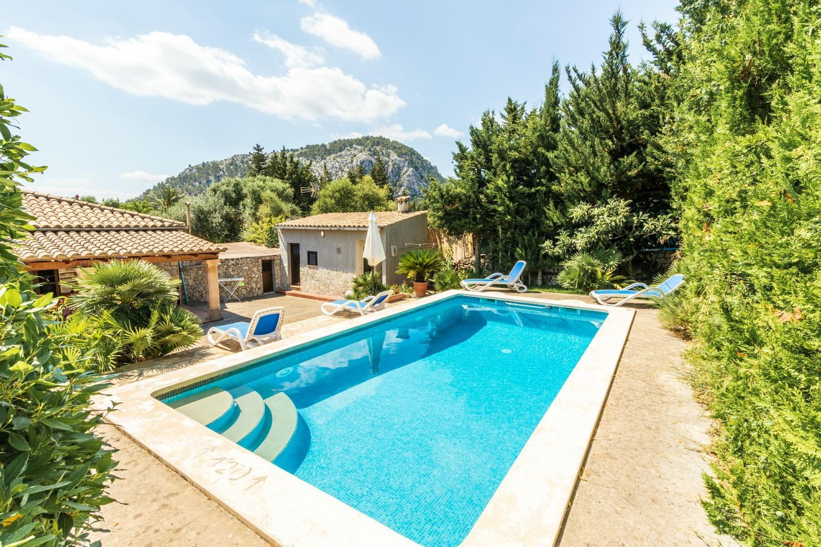 CASTELLO, cosy villa with pool & spacious terrace