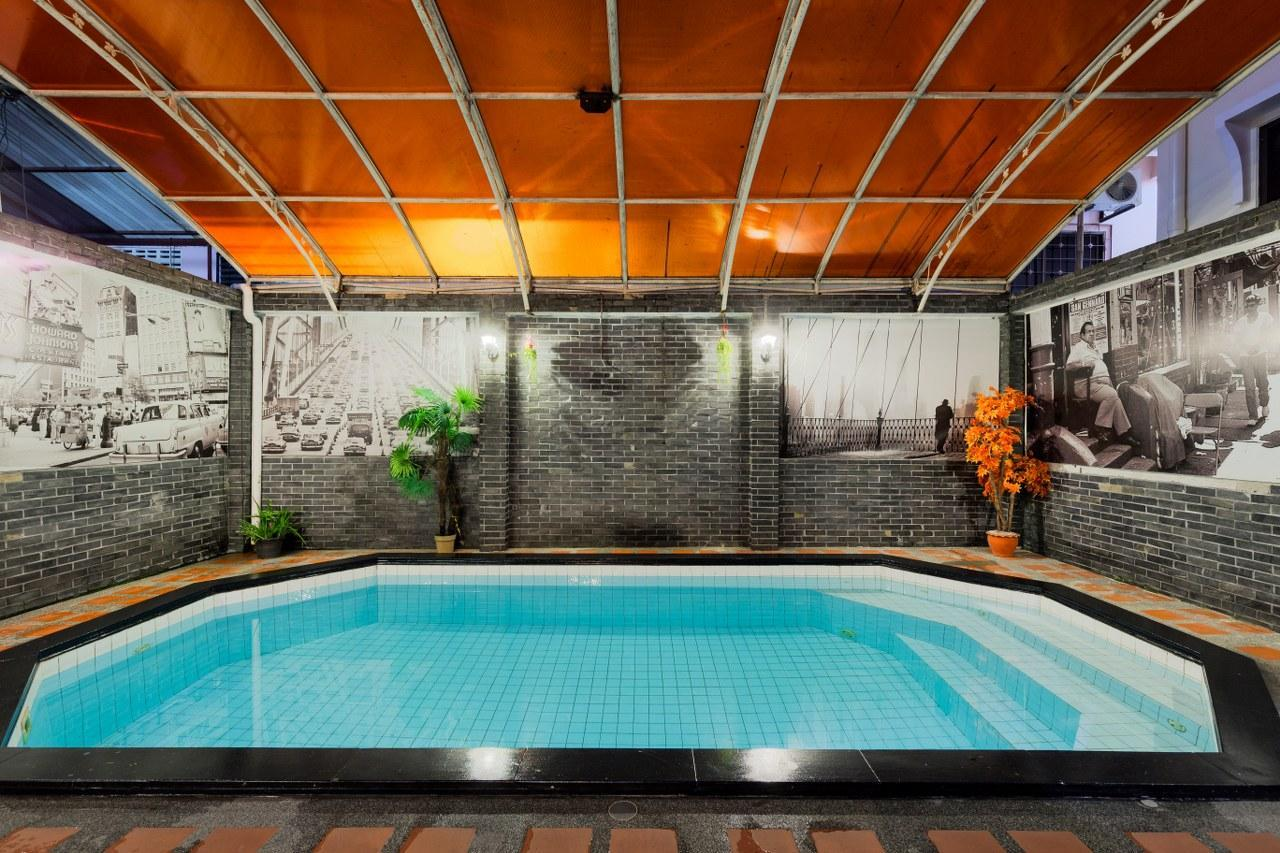 The Wedgewood Home 12BR Sleeps24 W Pool In Patong