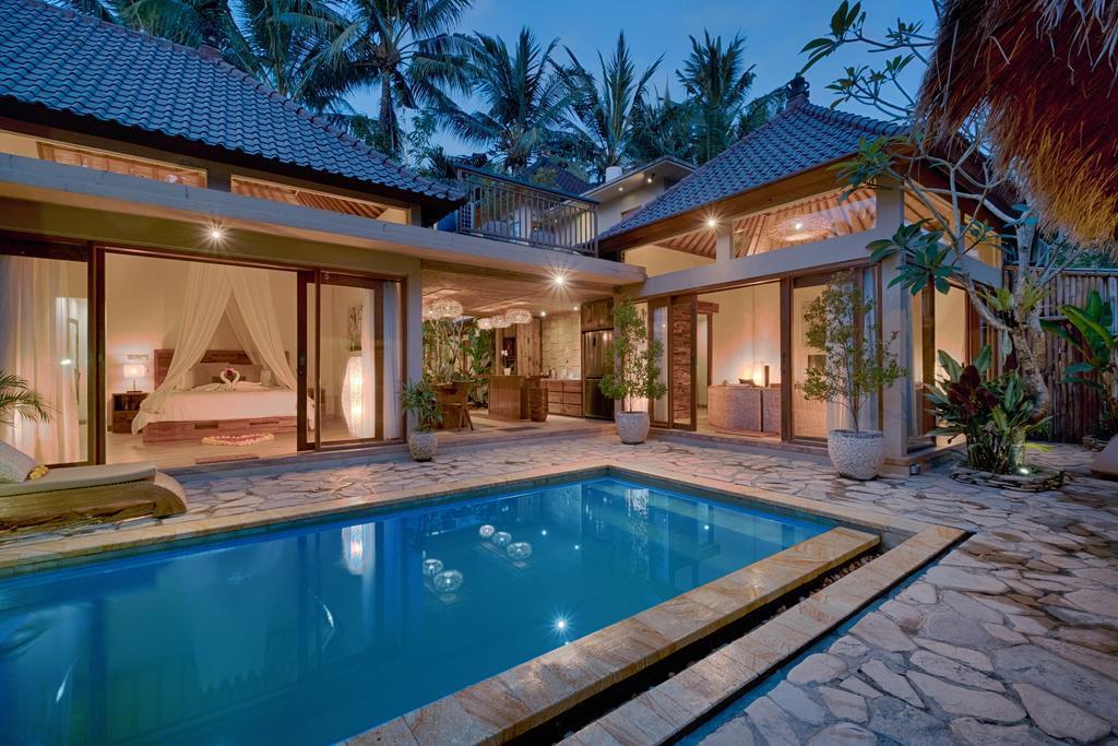 KM. 4BR Villa W  Private Pool Close To Ubud Center