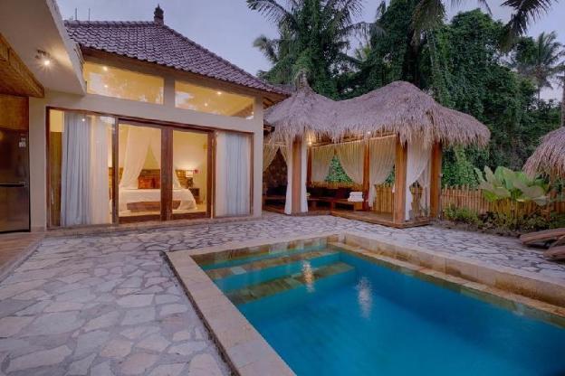 KM. 4BR Villa w/ Private Pool close to Ubud Center