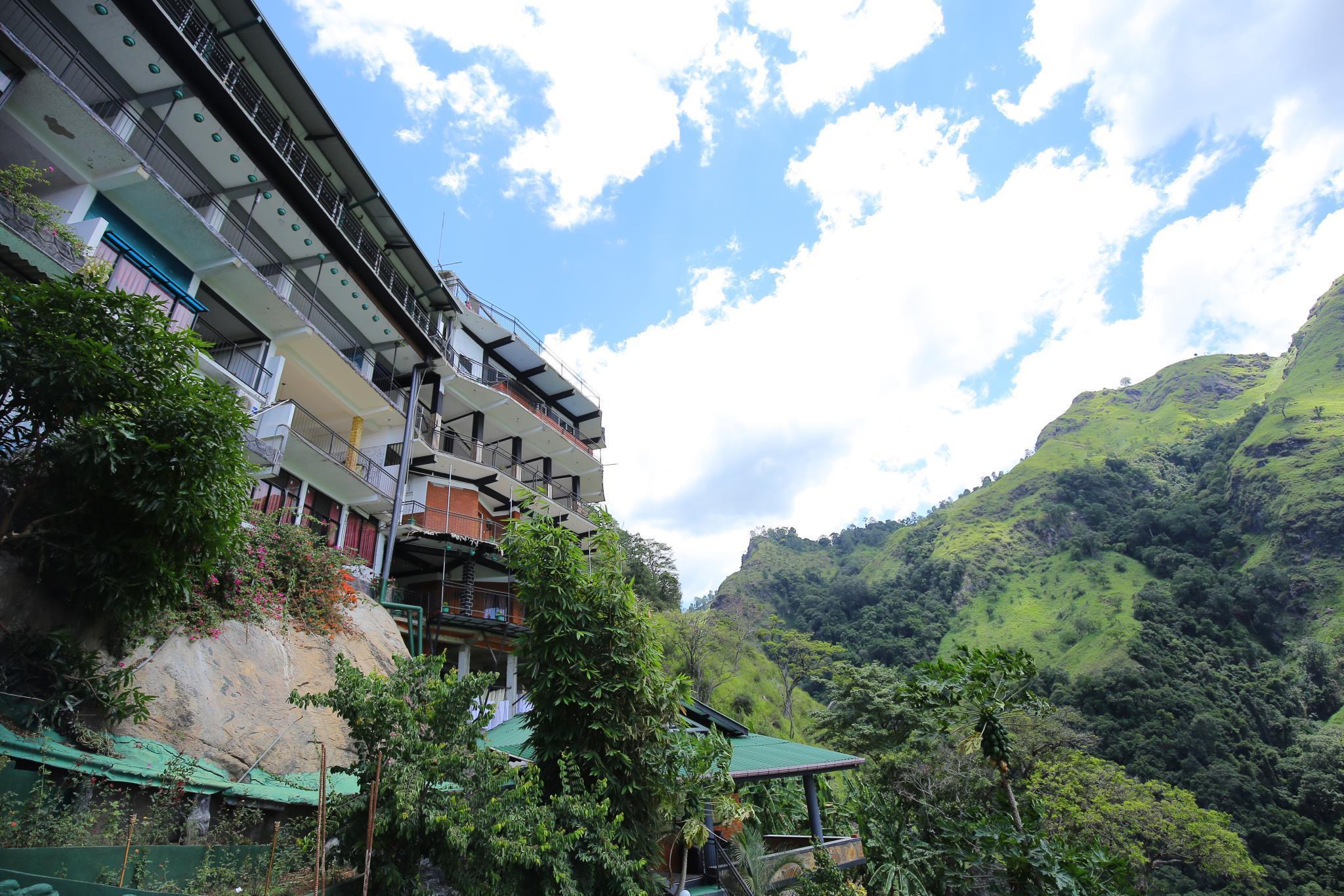 Ella Mount Heaven Hotel