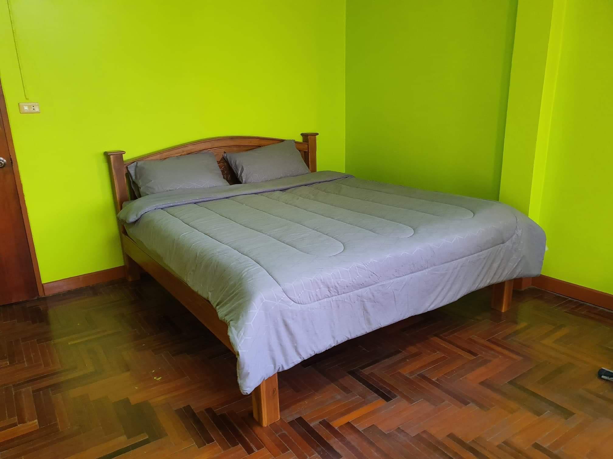 Green Brown Townhome Hang Chat Lampang