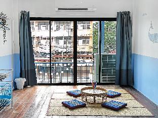 [市内中心部]一軒家(350m2)| 1ベッドルーム/4バスルーム Artsy Blue House