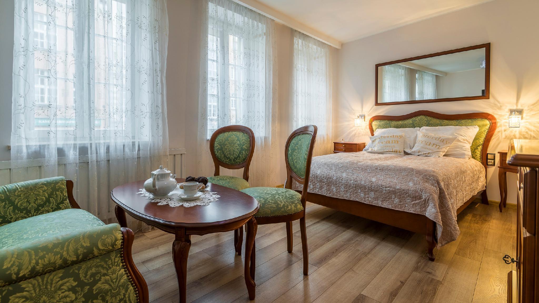 Maya's Flats And Resorts  Gdansk Old Town Zloty