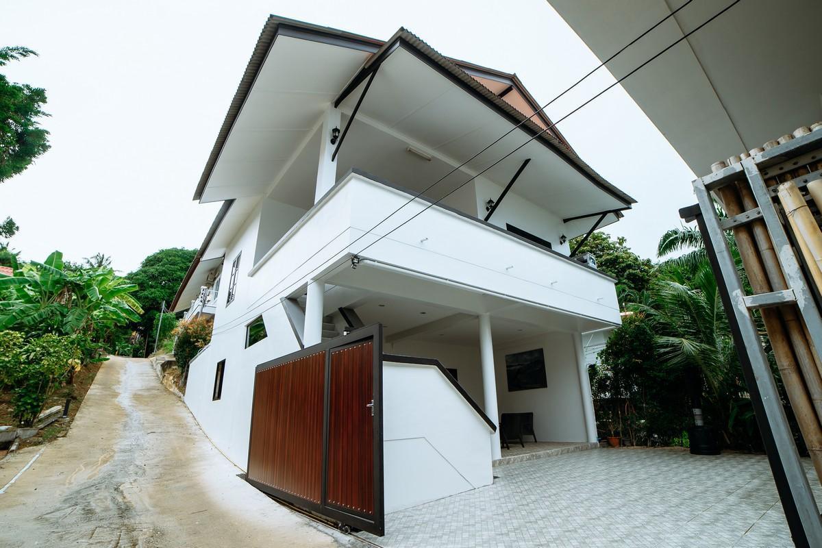 Exclusive Seaside Villa