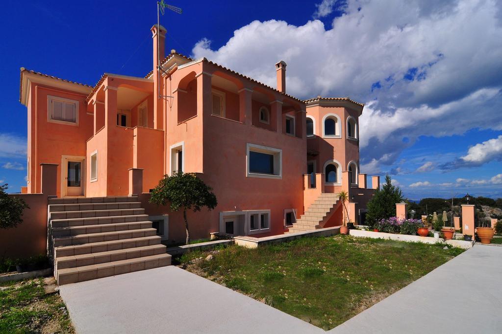 Luxury Villa In Corfu
