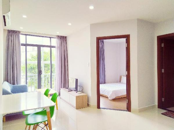 1 BR Apartment with Balcony, near Tan Son Nhat Ho Chi Minh City