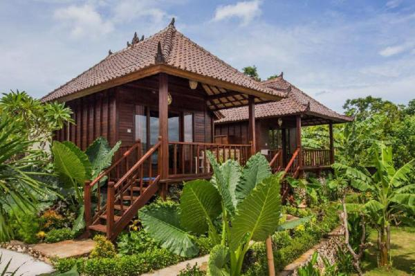 Bungalow with Dbl Bed Closes Yellow Bridge  Bali