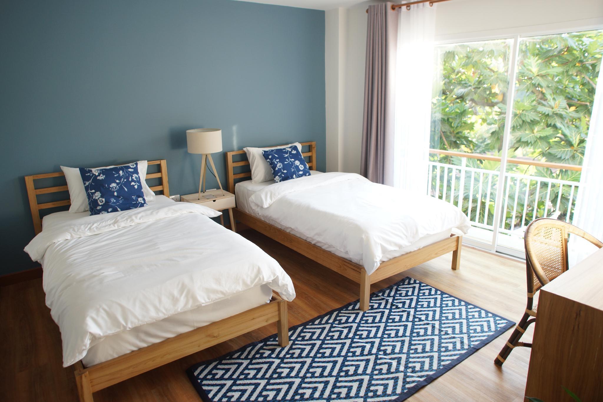 Breadfruit   Twin Room 402