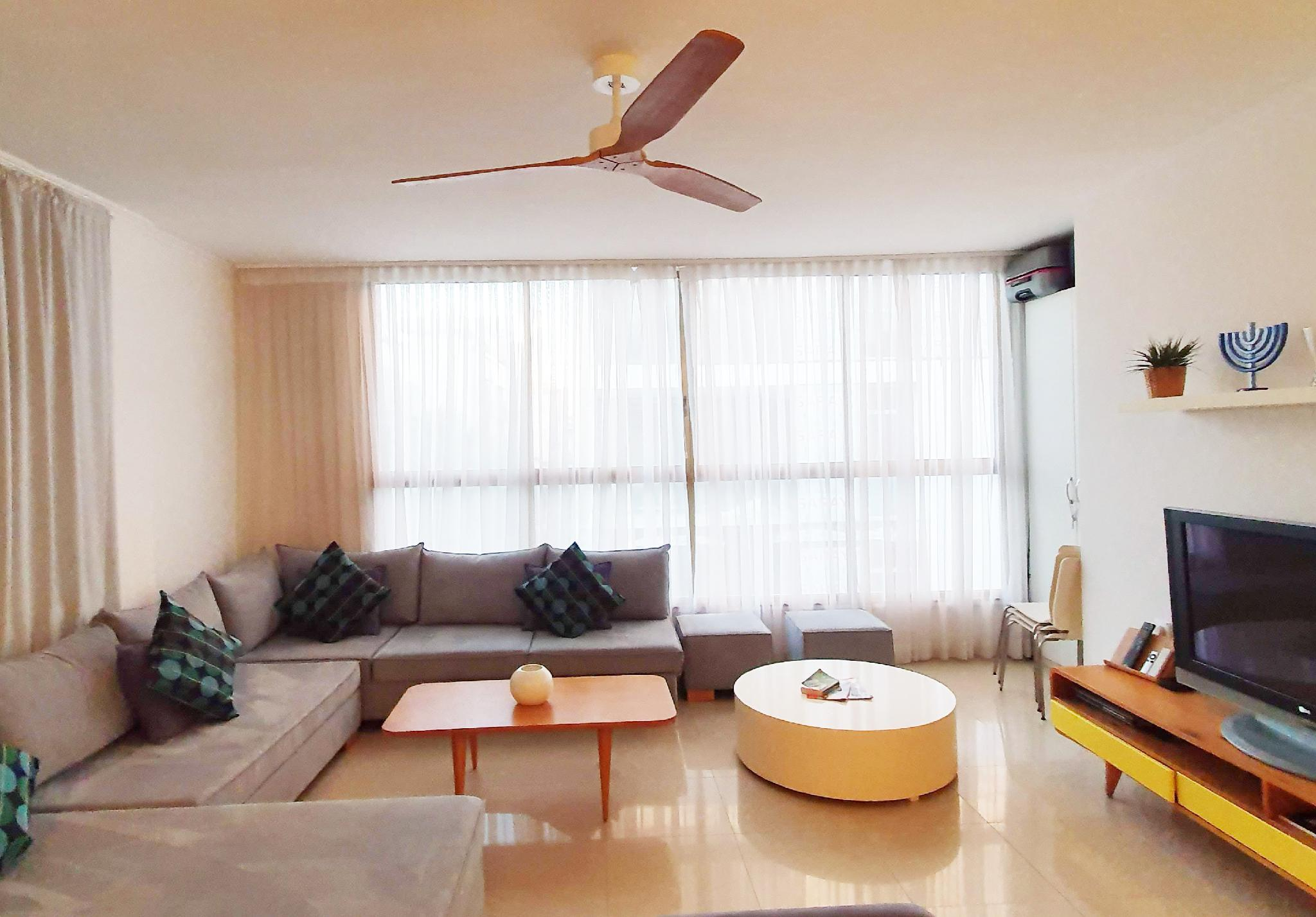 Charming 3 Bdr Apt   2 Min From The Beach   TL 51
