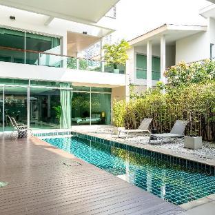 [シ プラチャン]ヴィラ(500m2)| 4ベッドルーム/5バスルーム Bangkok central pool villa